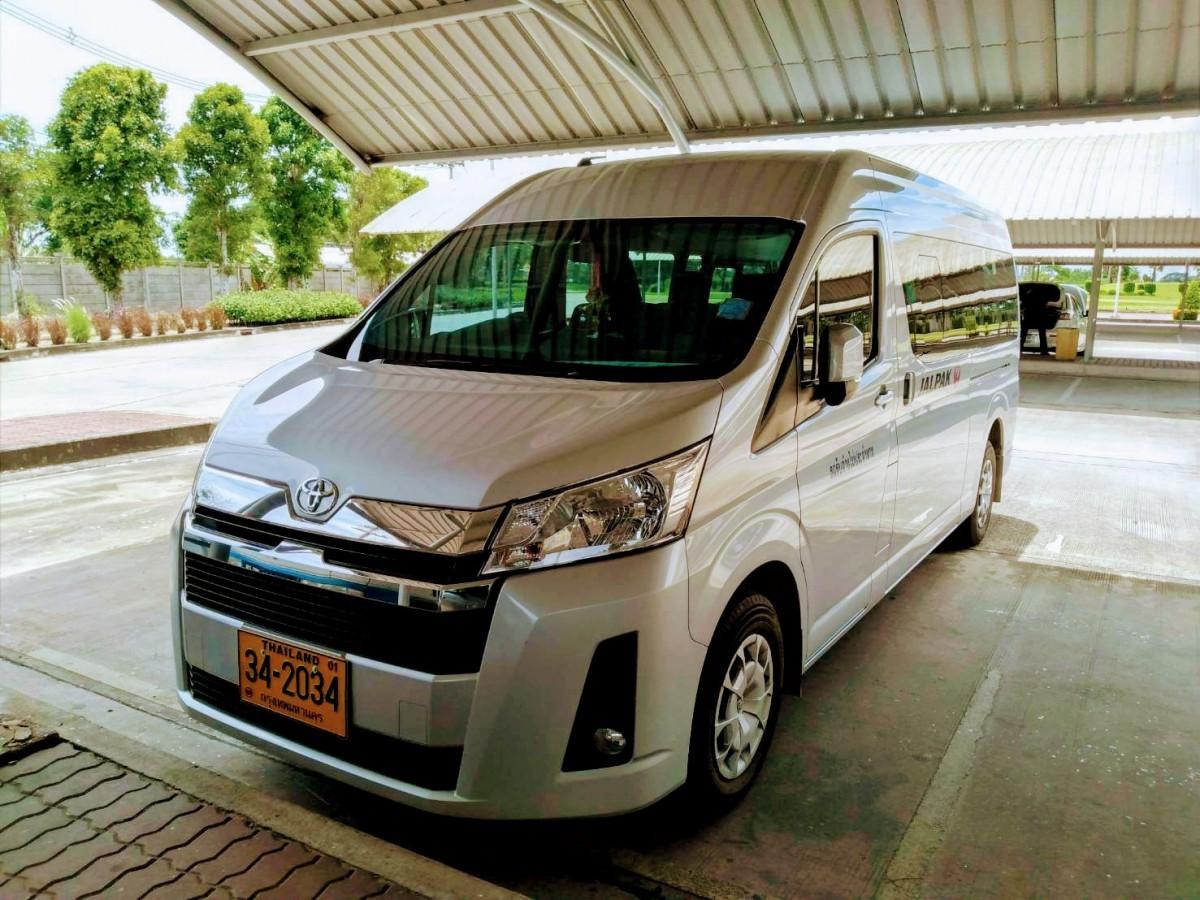 Mr.Pairat-Deejai บริการรถตู้เช่า เหมานำเที่ยว ราคาถูก (7)